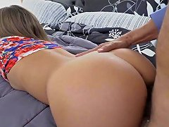 Petite 18yo Licked And Fucked By Old Dude Free Hd Porn Ba